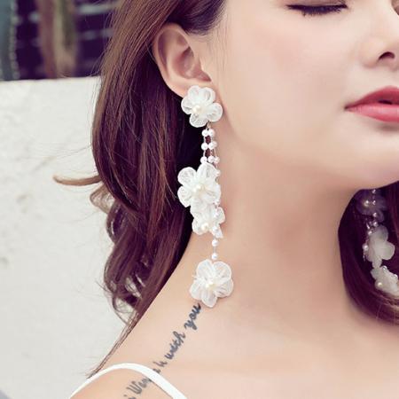 Pretty In Pearl Floral Earrings